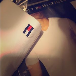 Brand New Tommy Hilfiger White T-Shirts.! (SzM)
